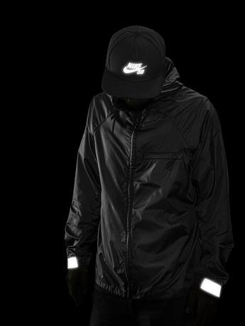 Nike_SB_HO14_FlashPack_Jacket_Hero_33386